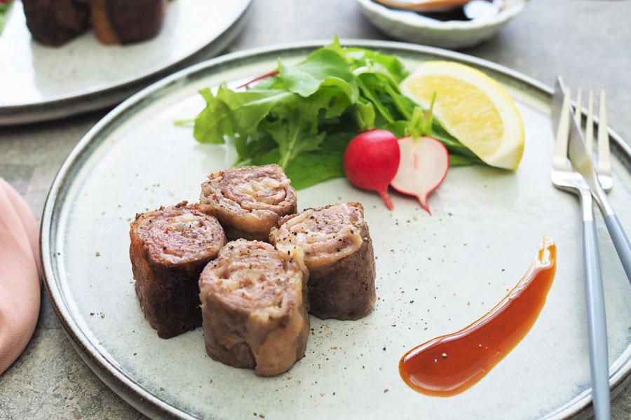 牛肉のミルフィーユロールステーキ~わさびソース~